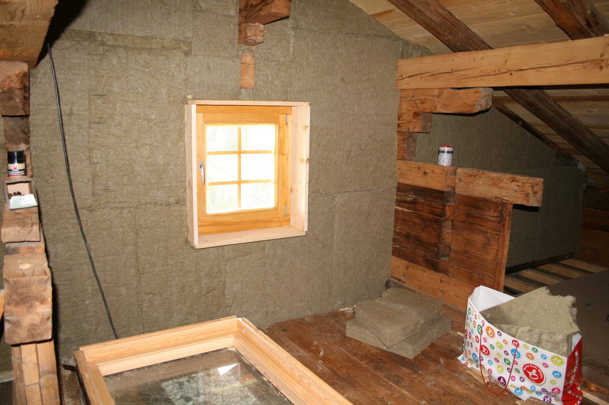 la chambre sous le toit. Black Bedroom Furniture Sets. Home Design Ideas